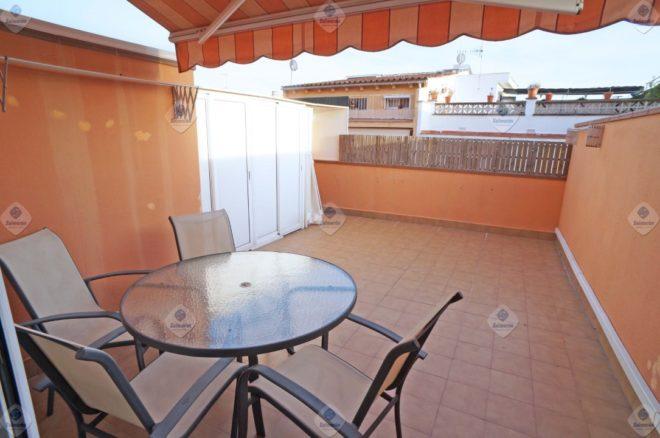 P-1475 Palafolls Piso obra pocos años con 2 dormitorios y amplia terraza