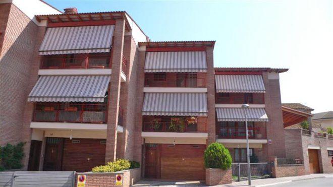 Palafolls Béns Salmerón 4+4 casa adosadas C. Ramón Turró 1995-1997
