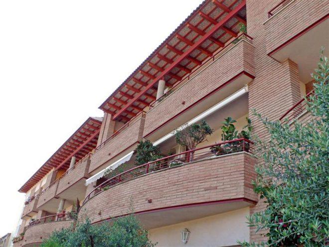 Palafolls Inmobiliaria Salmerón 4 Casas adosadas + 8 pisos y 4 locales C. Ramón Turró esq. Riera de la Burgada y Pompeu Fabra 1995-1997 (2)