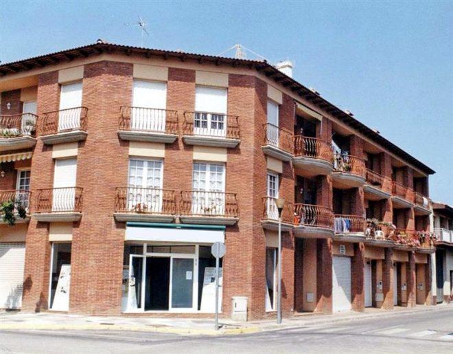 Palafolls Inmobiliaria Salmerón 4 casas + 6 pisos C. Pompeu Fabra 1988-1989