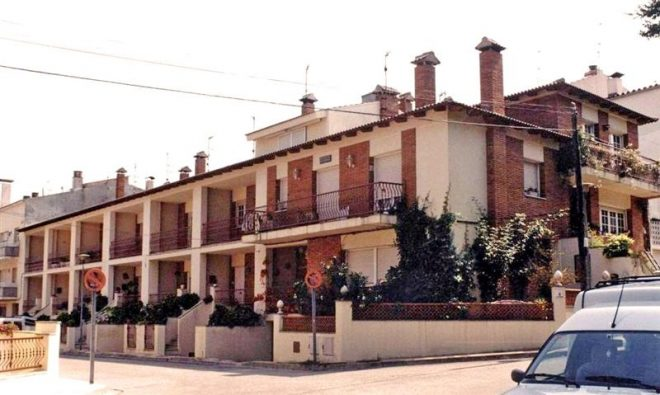 Palafolls Inmobiliaria Salmerón 8 Casas adosadas C. Xon Roura esq. C. Sindicato 1984-1985