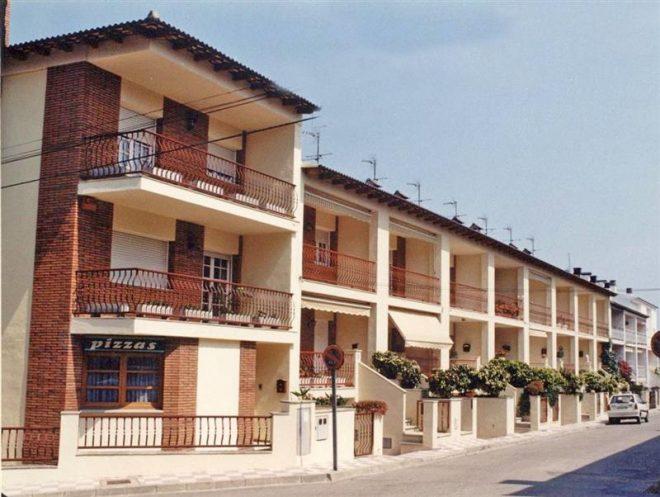 Palafolls Inmobiliaria Salmerón 9 Casas adosadas en Calle Xon Roura 1986-1987