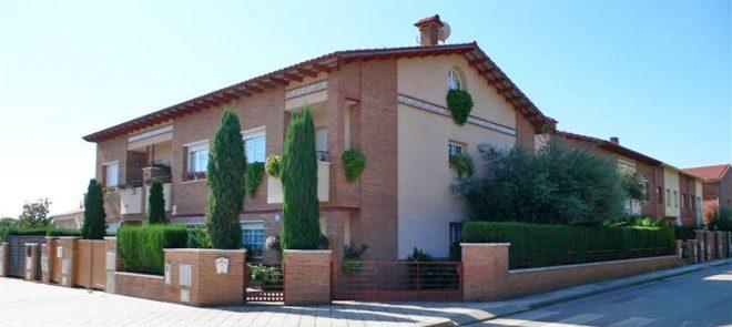 Palafolls Inmobiliaria Salmerón 3+2 casas en C. Salvador Esdpriu esq. C. Jacinto Verdaguer Santa Susanna 2000-2001 (1)