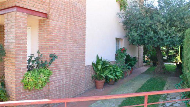 Palafolls Inmobiliaria Salmerón 3+2 casas en C. Salvador Esdpriu esq. C. Jacinto Verdaguer Santa Susanna 2000-2001 (5)