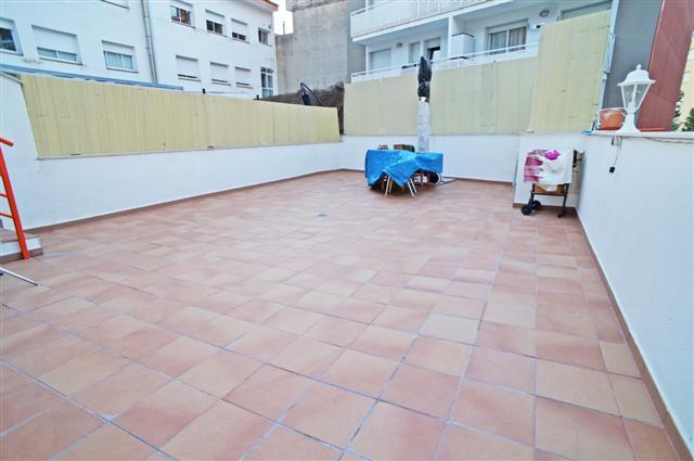 Inmobiliaria salmer n palafolls pisos palafolls y for Precios de pisos para patios