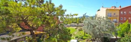 P-1299 Palafolls centro vivienda en planta baja con local / garaje y gran jardín