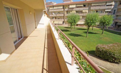 """B-1499 Blanes amplio piso 3 dormitorios con gran balcón"""