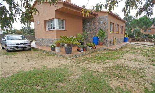 """P-1420 Palafolls Urbanización Torre chalet 3 bedroom flat plot of recent work"""