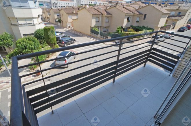 """B-1525 Blanes piso amplio 3 bedrooms for sale"""