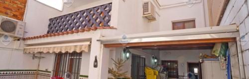 P-1561 Palafolls gran casa adosada con 6 habitaciones, patio y garaje en venta