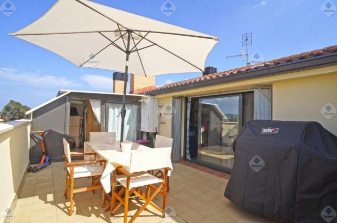 P-1212 Palafolls centro Duplex 3 habitaciones con terraza de 25m² en venta
