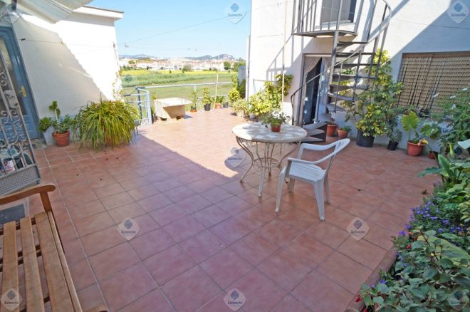 P-1581 Palafolls well-preserved village house for sale