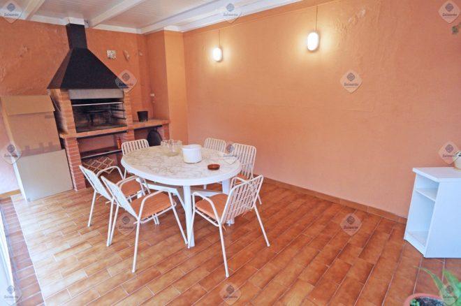 P-1756 Palafolls Piso 3 dormitorios con terraza en venta en finca sólo 2 vecinos