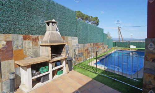 """T-1769 Tordera Casa impecable con piscina de obra moderna en venta"""
