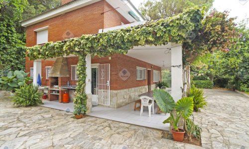 """""""P-1699 Palafolls Casa en venta en gran parcela de terreno"""""""