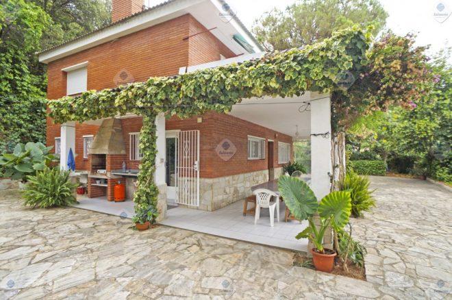P-1699 Palafolls Casa en venta en gran parcela de terreno
