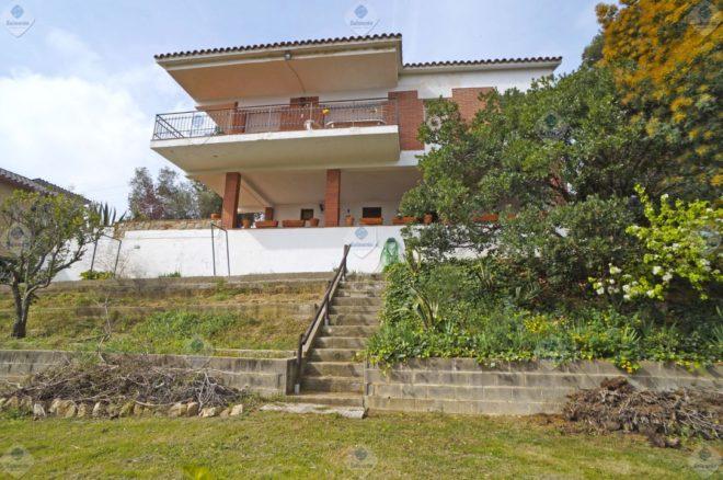 P-1767 Palafolls Casa en venta en gran parcela de terreno